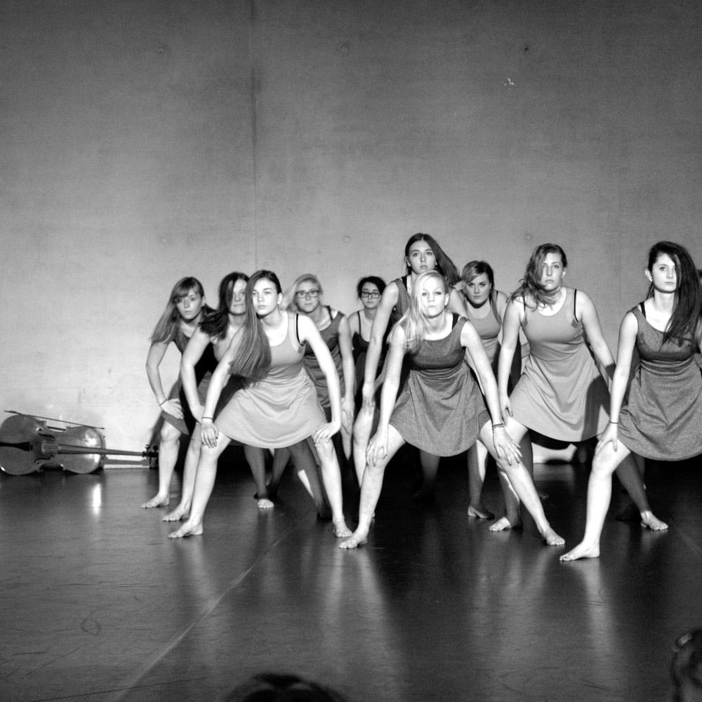 lenasetzwein_choreografie02.jpg