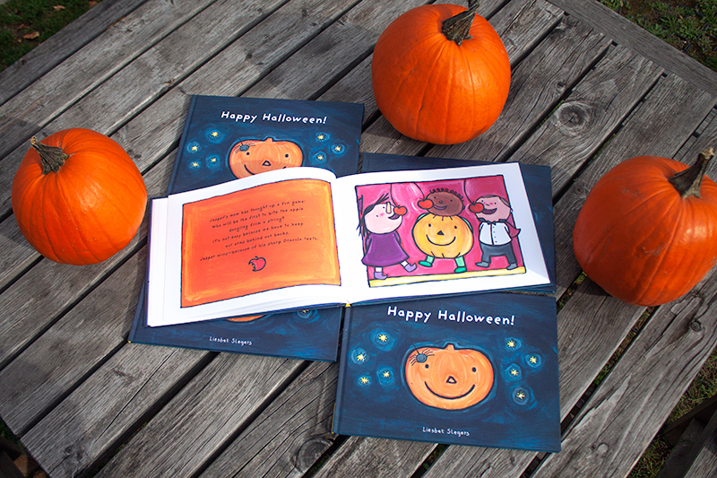 clavis_publishing_picture_books_chidren_books_literature_kidlit_toddler_books_halloween_9781605371016_happy_halloween_liesbet_slegers_002.jpg