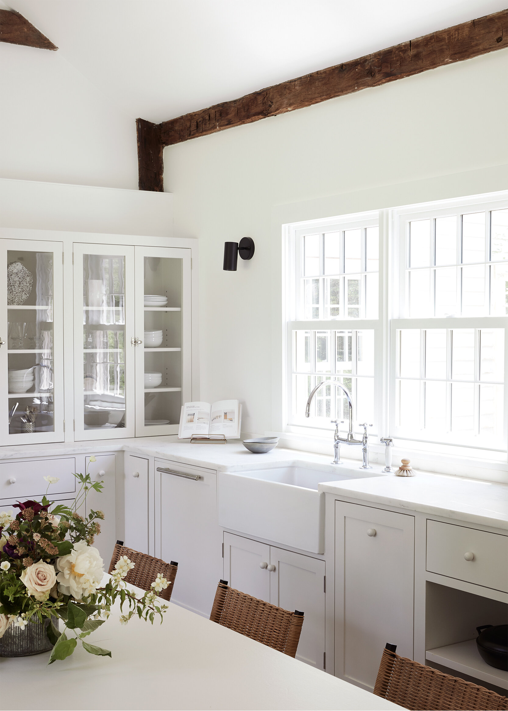 nune_Bruey Cottage_kitchen_02.jpg