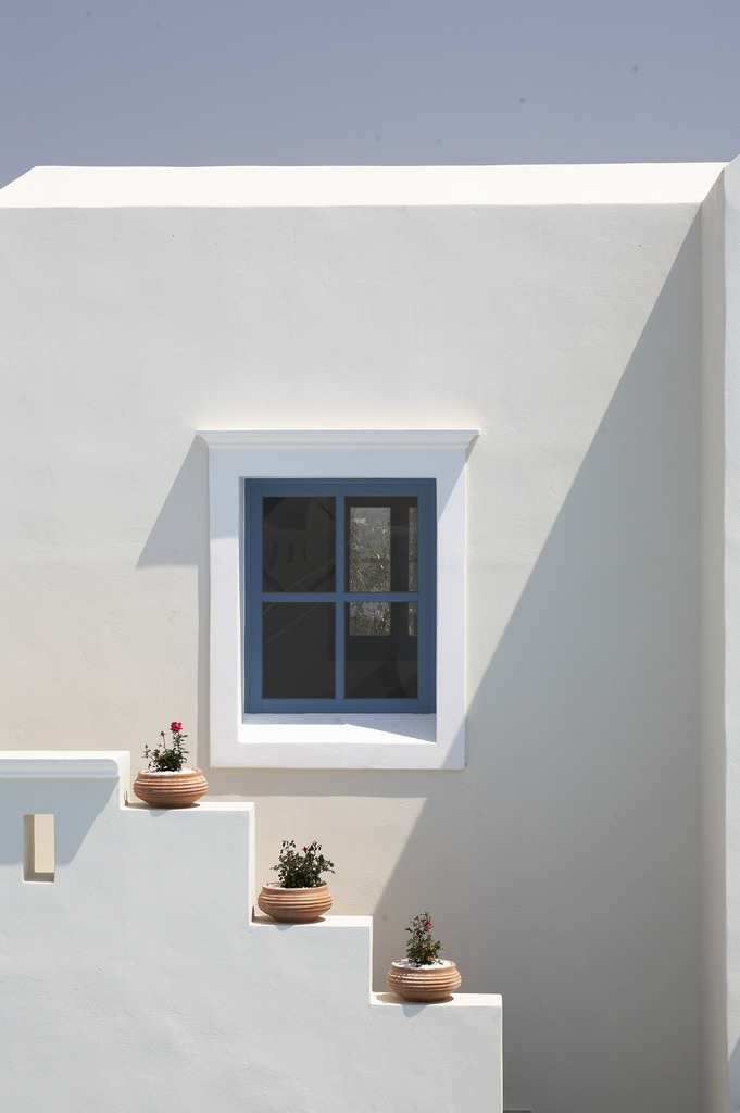 Simplicity is the essence of cycladic architecture