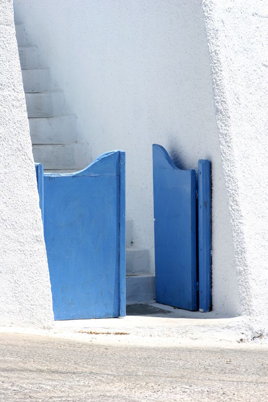 Everything in cycladic architecture is in human scale.