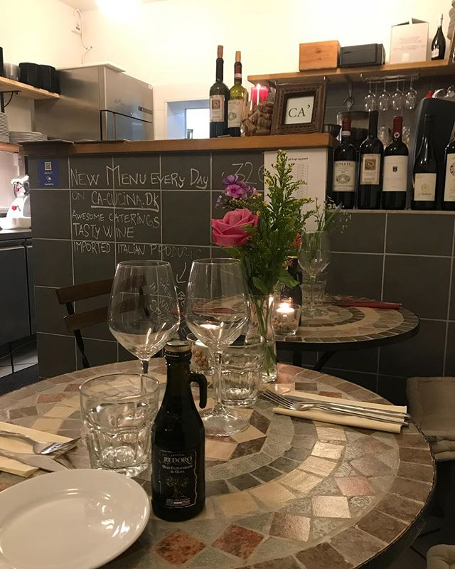 Every night you can enjoy our authentic Italian food in a cosy atmosphere. And a good glass of wine! Call to book your table 3170 7552. #italianrestaurant #bestitalianfood