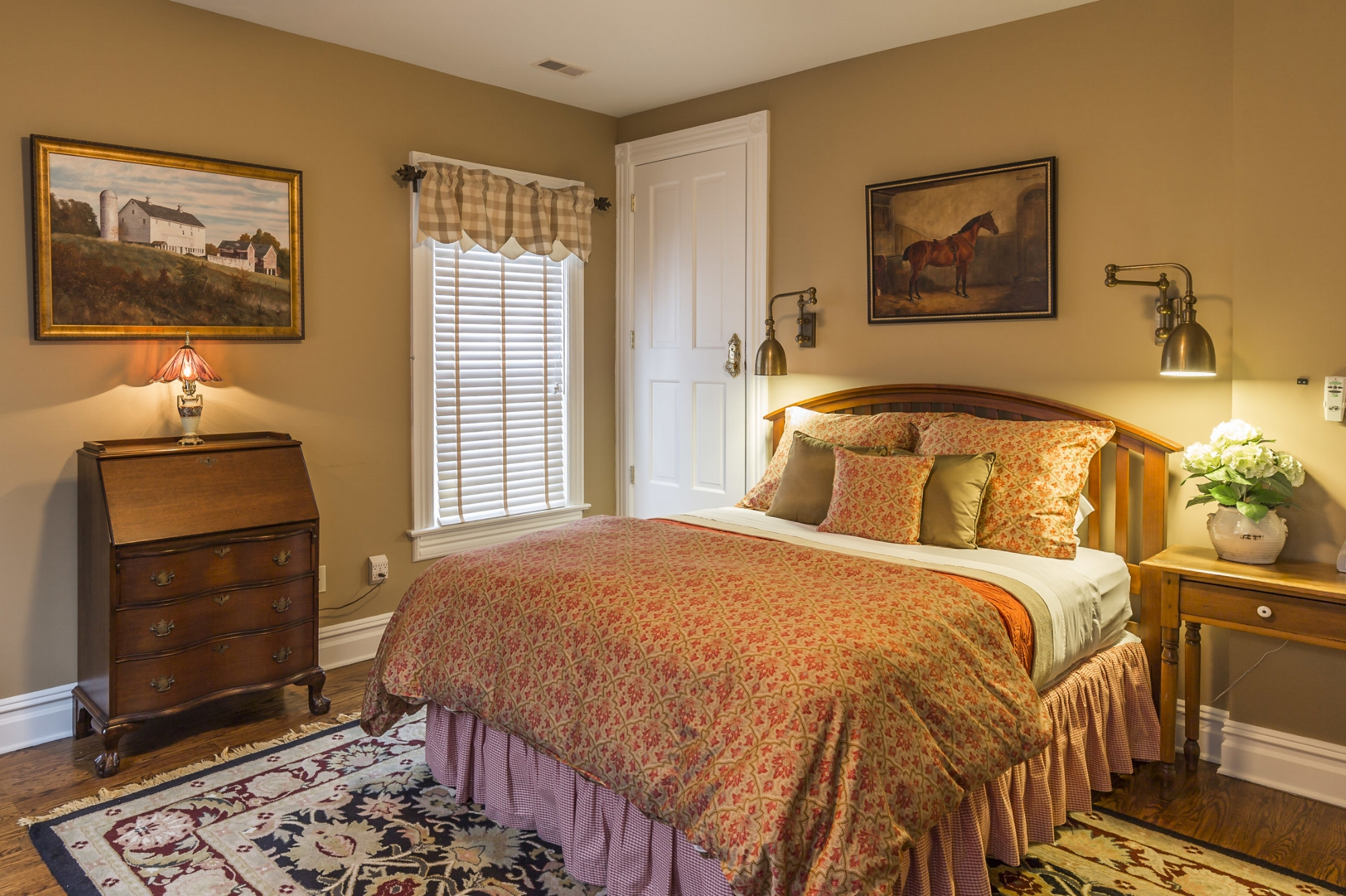 Hunterdon guest room2.jpg