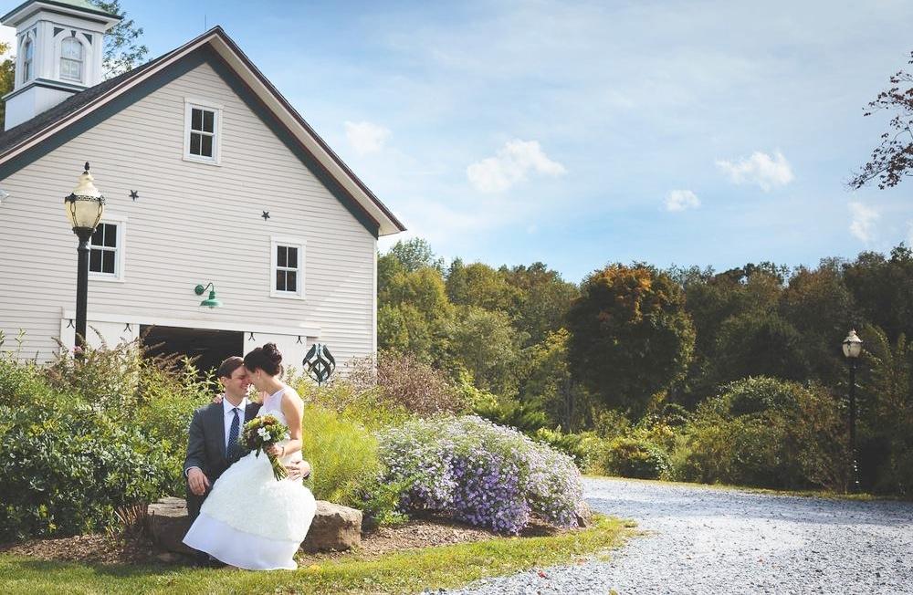 wedding_couple_barn.jpg
