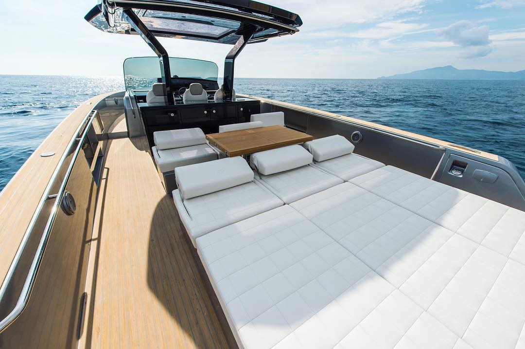 THE PARDO YACHTS brand was created by Cantiere del Pardo in 2016, a shipyard that boasts more than 40 years of experience, having built over 4000 yachts. Its passion and success have allowed it not only to invest in innovation and new technologies, but also to develop new models and dedicate more attention to our clients. PARDO Yacths has been designed for a sophisticated owner who appreciates high quality design, luxurious comfort, and much more. Thanks to careful studies of its hull shape and engineering, the PARDO is noted for outstanding performance and speed. - FEEL THE POWER… in MIAMI.
