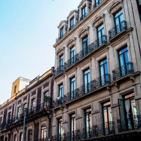 Hotel Histórico Central | MXN $2561 aprox.
