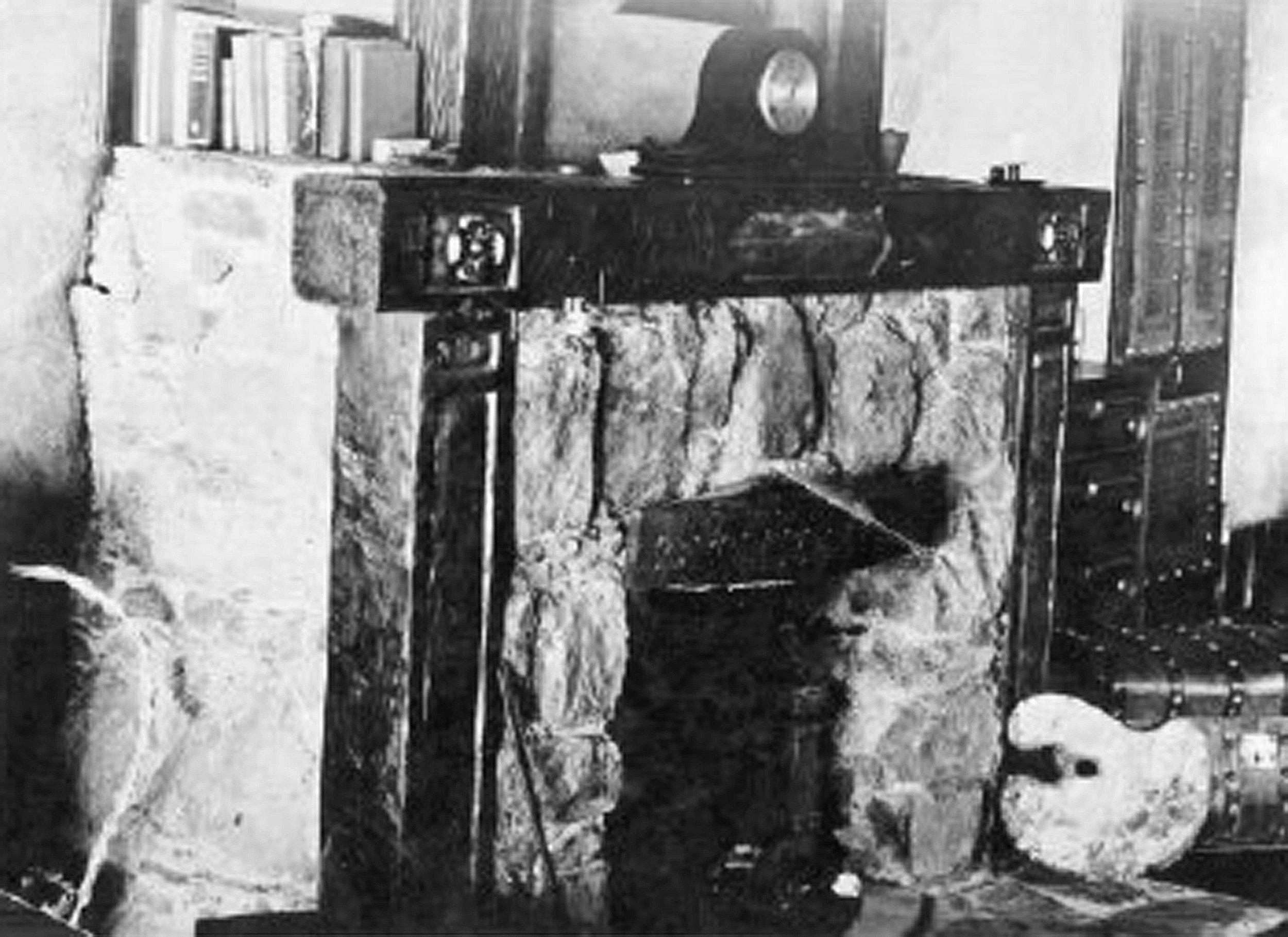 Fireplace Mantel 1.jpg