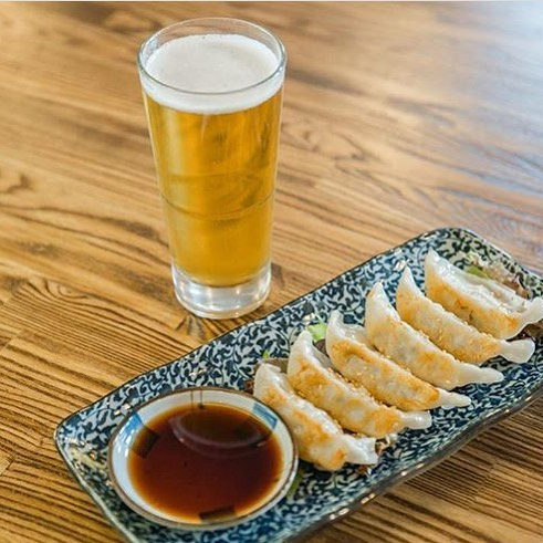 Join us for the happiest hours of the day between 3:00 PM - 8:00 PM. We will be offering a variety of items from gyoza and discounted imported and domestic beers! 🍻 . . . . . . . . #urara #pikeplacemarket #japanesefood #seattlefoodie #seattlefood #sushi #sashimi #seattle