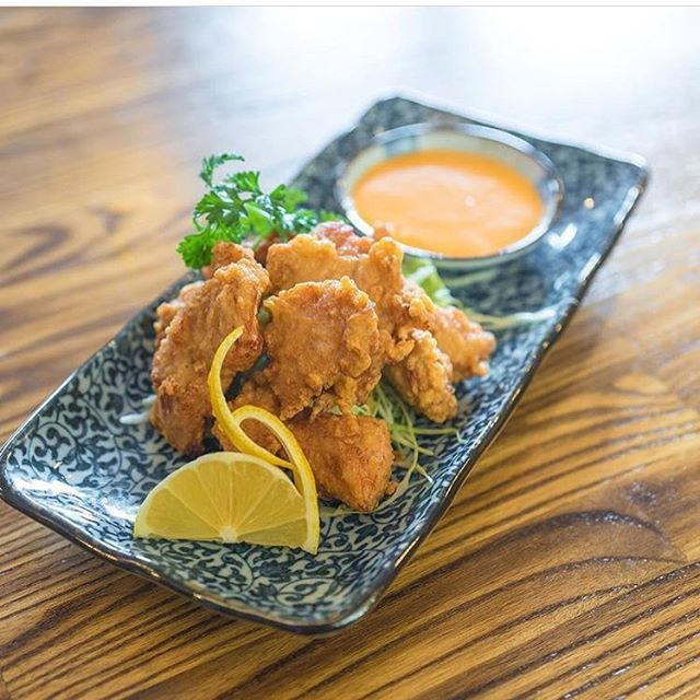 The perfect starter for every meal. Enjoy our 'Chicken Karaage' every day of the week! 🍗 . . . . . . . #urara #pikeplacemarket #japanesefood #seattlefoodie #seattlefood #sushi #sashimi #seattle