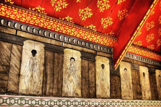 Sen Lines Wat Pho temple.jpg