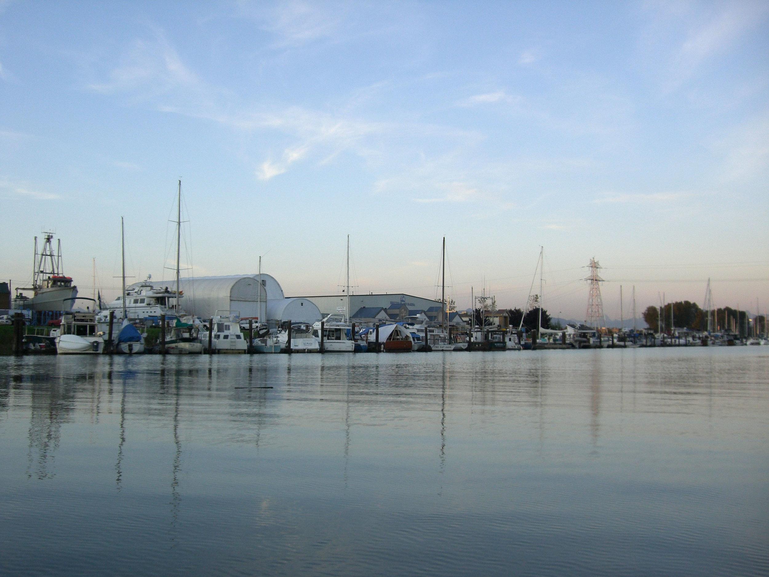 pic_marinawaterfront.jpg