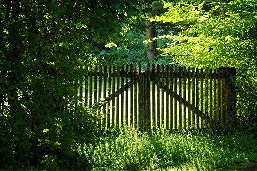 wood-fence-1610150__340.jpg