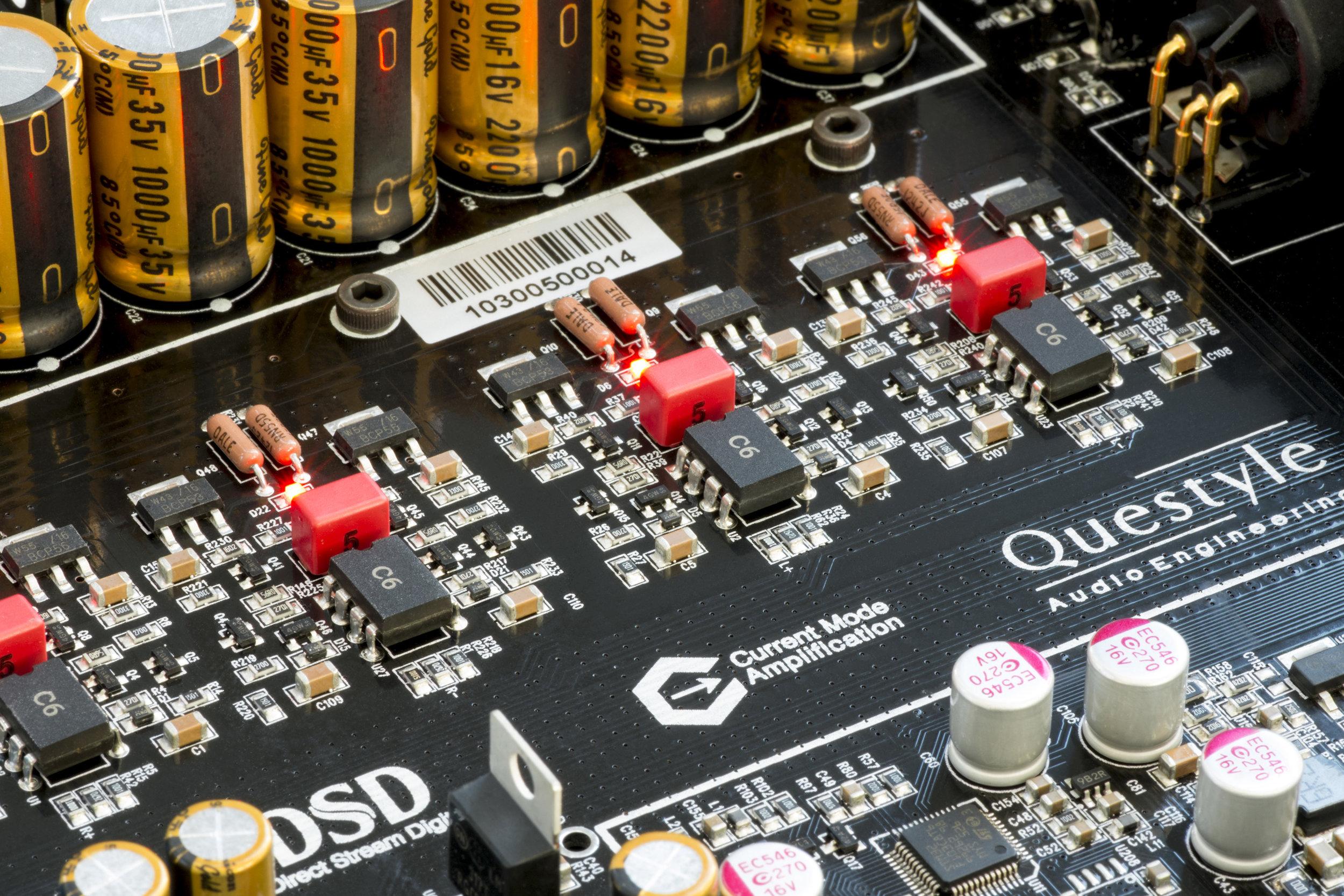 QUESTYLE CMA600I DAC / HEADPHONE AMPLIFIER