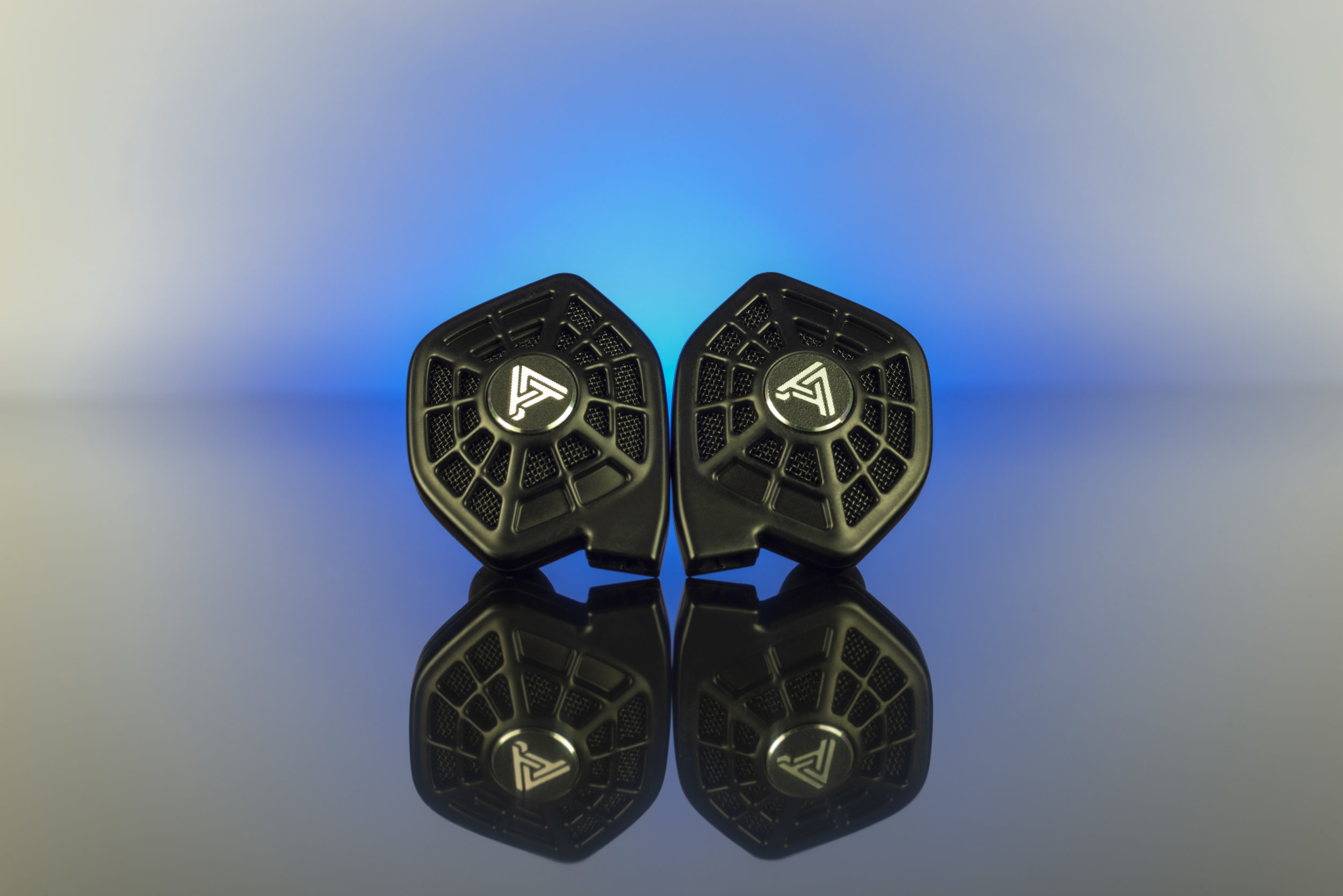 ISINE 10 I N-EAR PLANAR MAGNETIC HEADPHONES