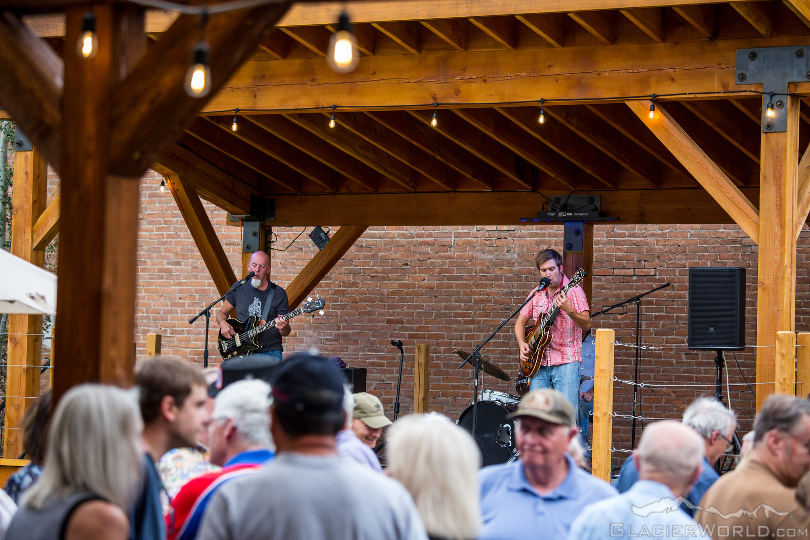 Live music - Come hear some of the best live music in the Flathead Valley, featuring music 5 days per week in the summer months and on weekends September-May.