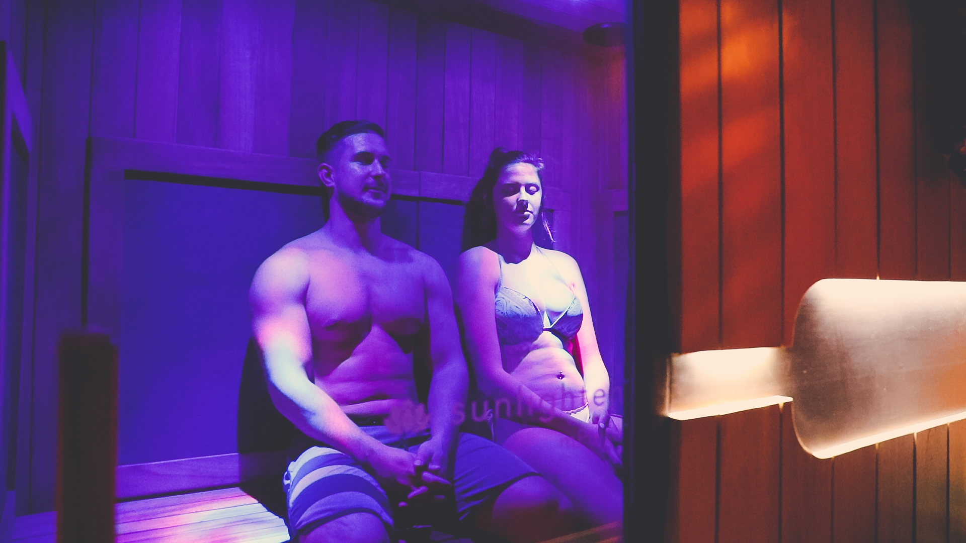You have the option to sit in our sauna alone, or with a friend.