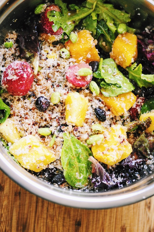 Super flavorful and refreshing Tropical Quinoa Salad topped with a Spicy Ginger Sesame Dressing! Gluten-free and vegan. #tropical #coconut #quinoa #salad #quinoasalad #sesame #spicy #ginger #healthy #easy #summer