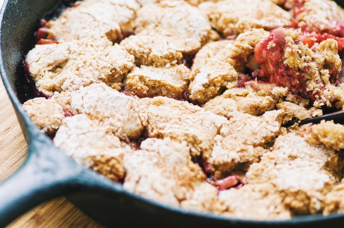 This delicious gluten-free cobbler is packed with delightful apple, raspberry & coconut flavors; and makes for one hearty, filling, and satisfyingly healthy treat! #glutenfreecobbler #appleraspberry #coconutcobbler #applecobbler #raspberrycobbler #glutenfreedessert #refinedsugarfree