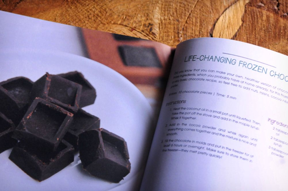 Cookbook Review 02: The Veginner's Cookbook by Bianca Haun and Sascha Naderer + Life-Changing Frozen Chocolate + A Giveaway - A review by Kristen Wood | moonandspoonandyum.com #cookbook #review #vegan #chocolate #elephantasticvegan