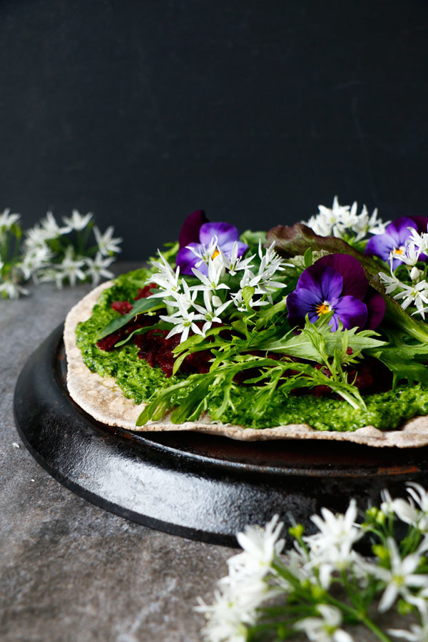 BUCKWHEAT TEFF FLATBREAD PIZZA WITH WILD GARLIC PESTO by Hana | Nirvana Cakery