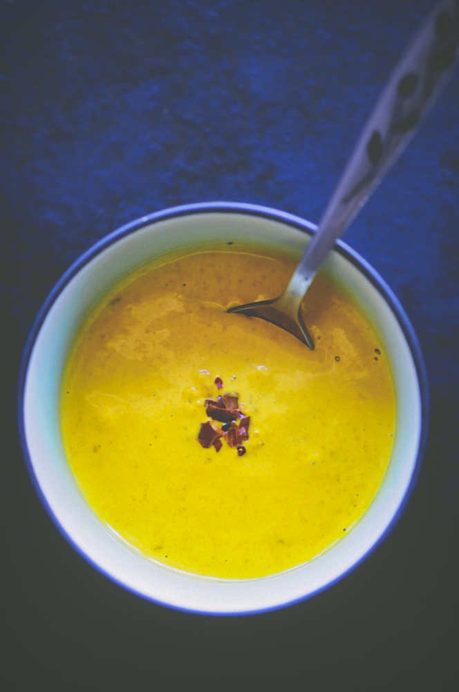 This Spicy Turmeric Tahini Sauce is subtly sweet, slightly tangy, and deliciously spicy. It is vegan, gluten-free, healthy and easy to make, too! #turmericdressing #turmerictahini #turmerictahinisauce #turmericdip #tahinisauce #vegansauce
