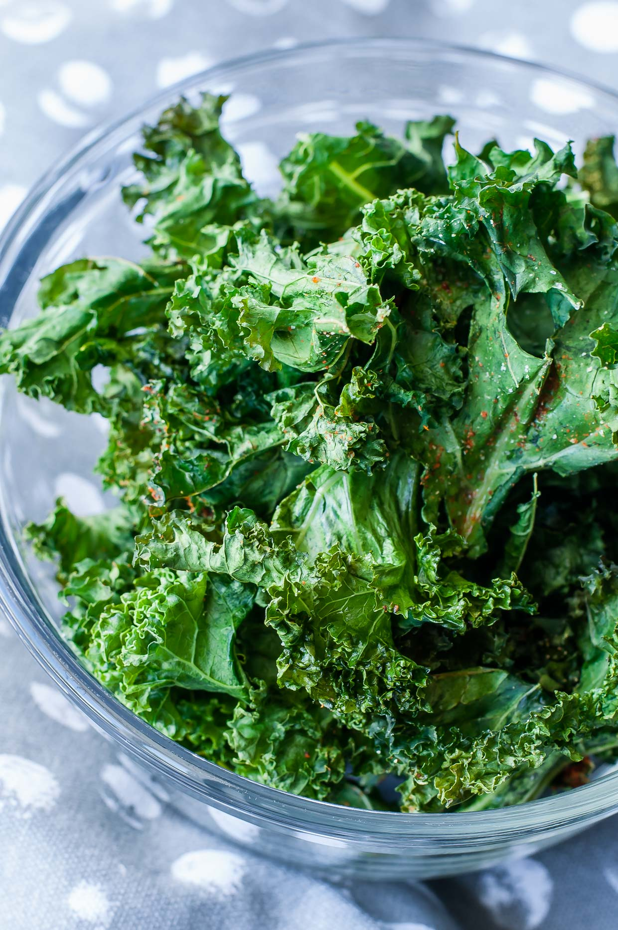 Spicy Kale Chips by Peas and Crayons -