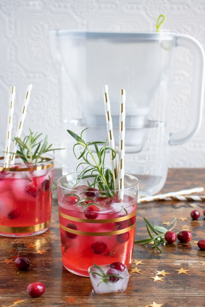 Ginger Cranberry Kombucha Mocktail by Veggie Desserts -