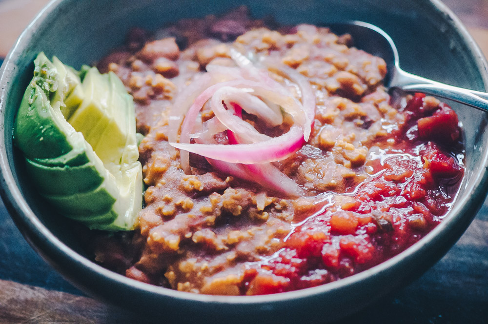 instant pot millet pinto bean chili vegan (2 of 12).jpg