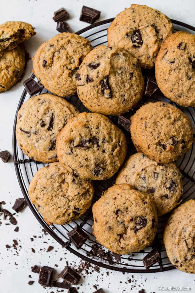PALEO CHOCOLATE CHIP COOKIES by A Clean Bake - These paleo-friendly chocolate chip cookies also incorporate almond flour, coconut sugar and coconut oil for a dairy-free, refined sugar-free, gluten-free treat!
