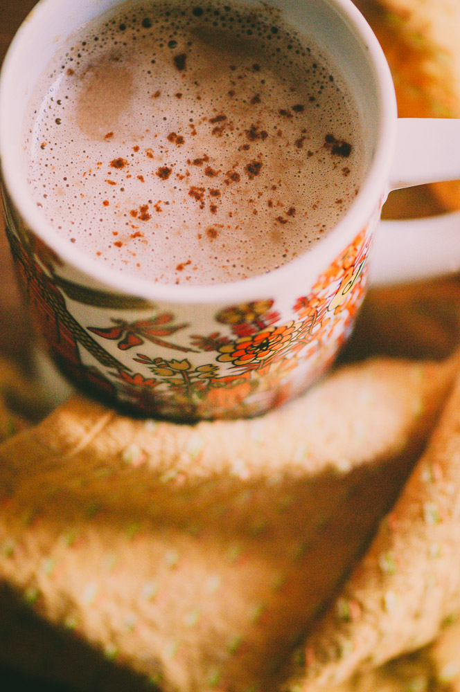 Hot Cacao with Cardamom and Tahini - This Vegan Tahini Hot Chocolate is healthy, easy to make and delicious! #hotcacao #cacaodrink #cacaorecipes #tahinihotcacao #tahinihotchocolate #healthyhotchocolate #cardamomcacao
