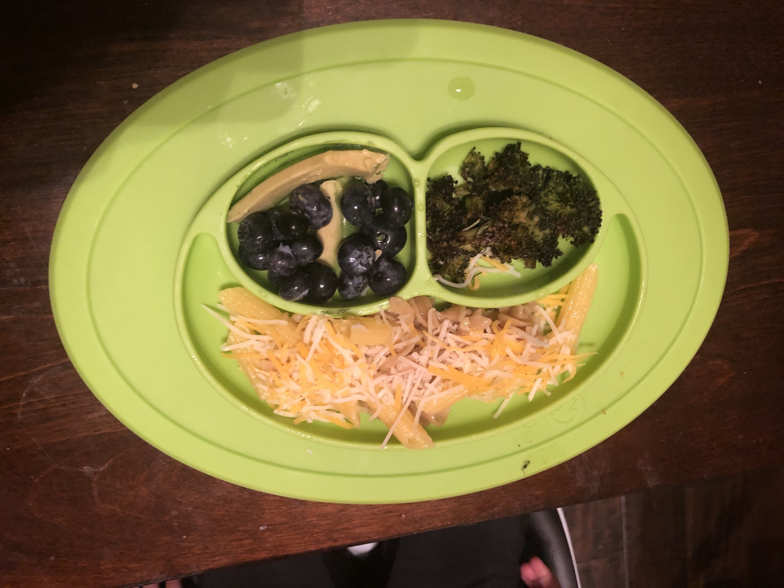 pasta with cheese, bluberries, avocado and broccoli