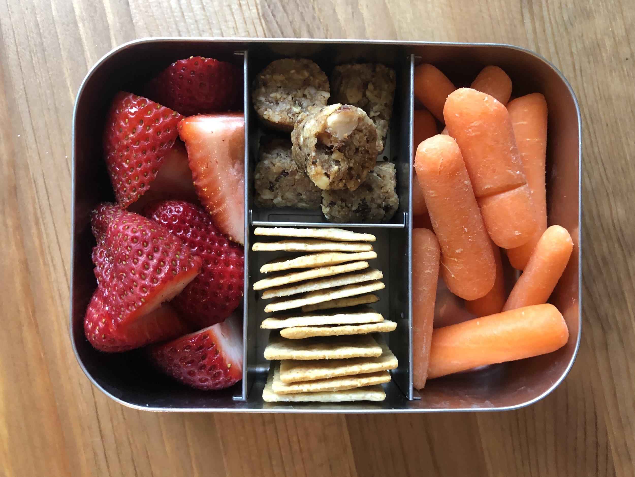 strawberries, paleo crackers, carrots, paleo bites