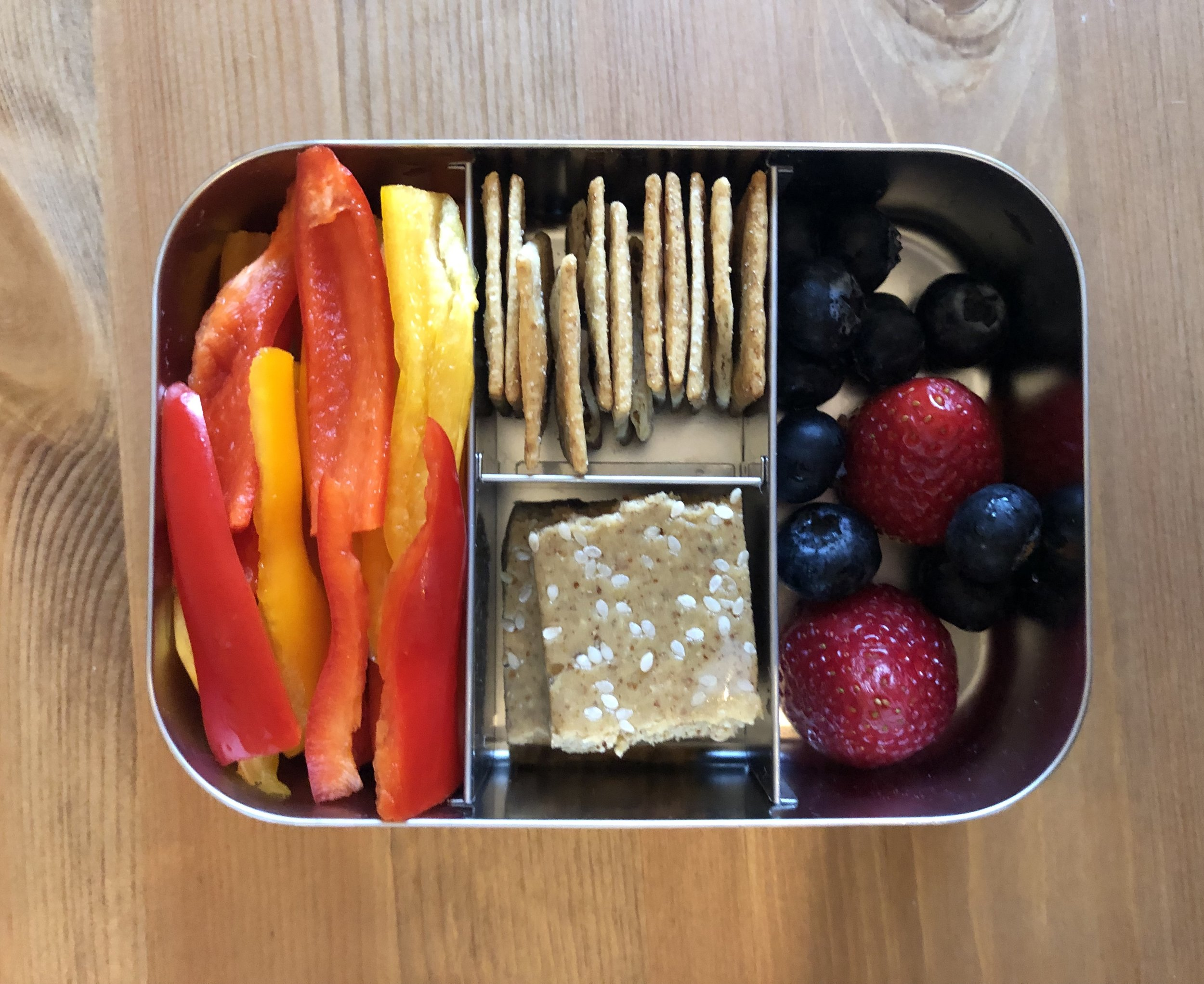 peppers, perfect bar, paleo crackers, berries