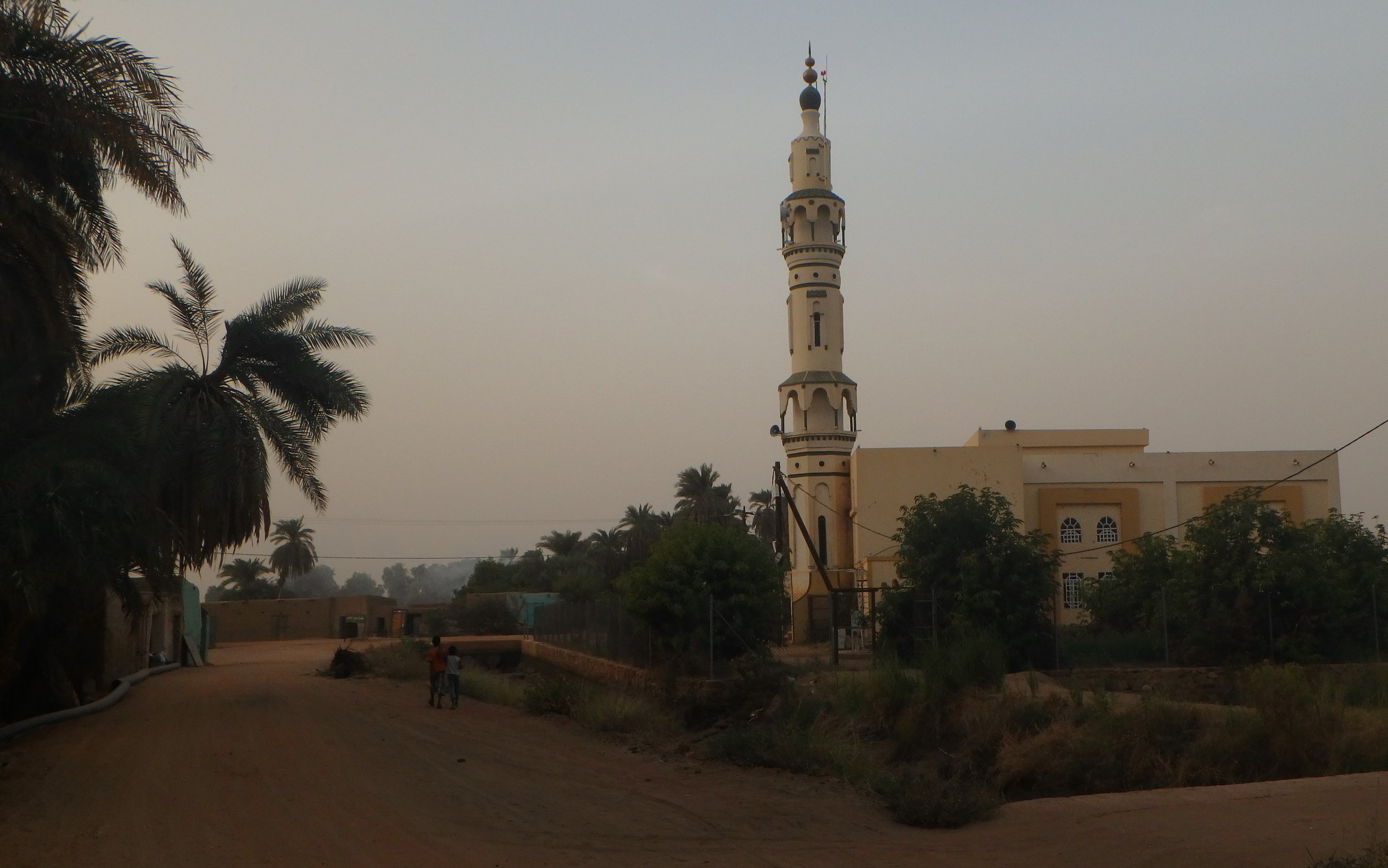 A mosque on the banks of the Nile across from Karima.