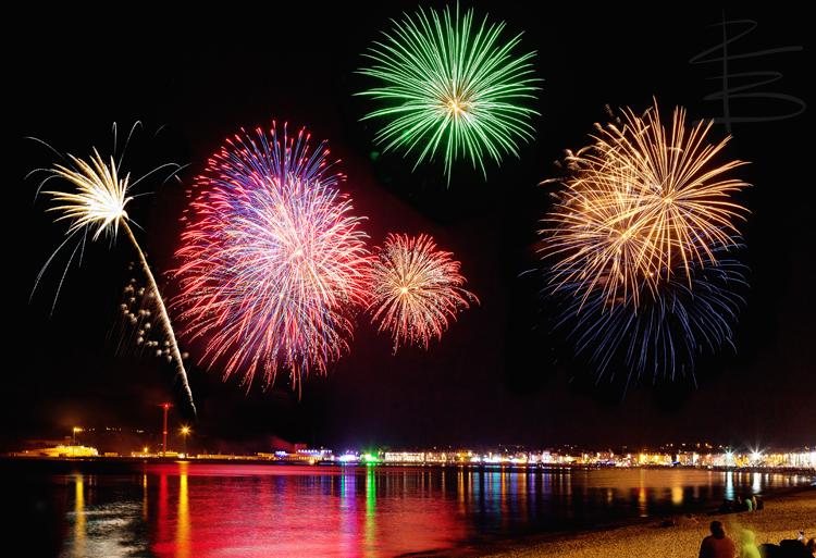 fireworkscompositeshot2flickr750.jpg