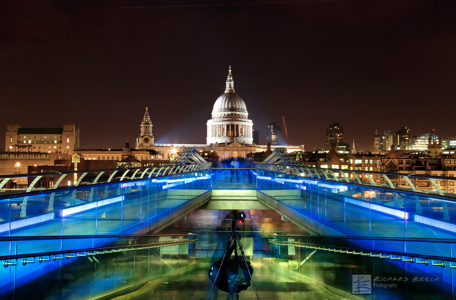 Bridge to St Paul's (Night)