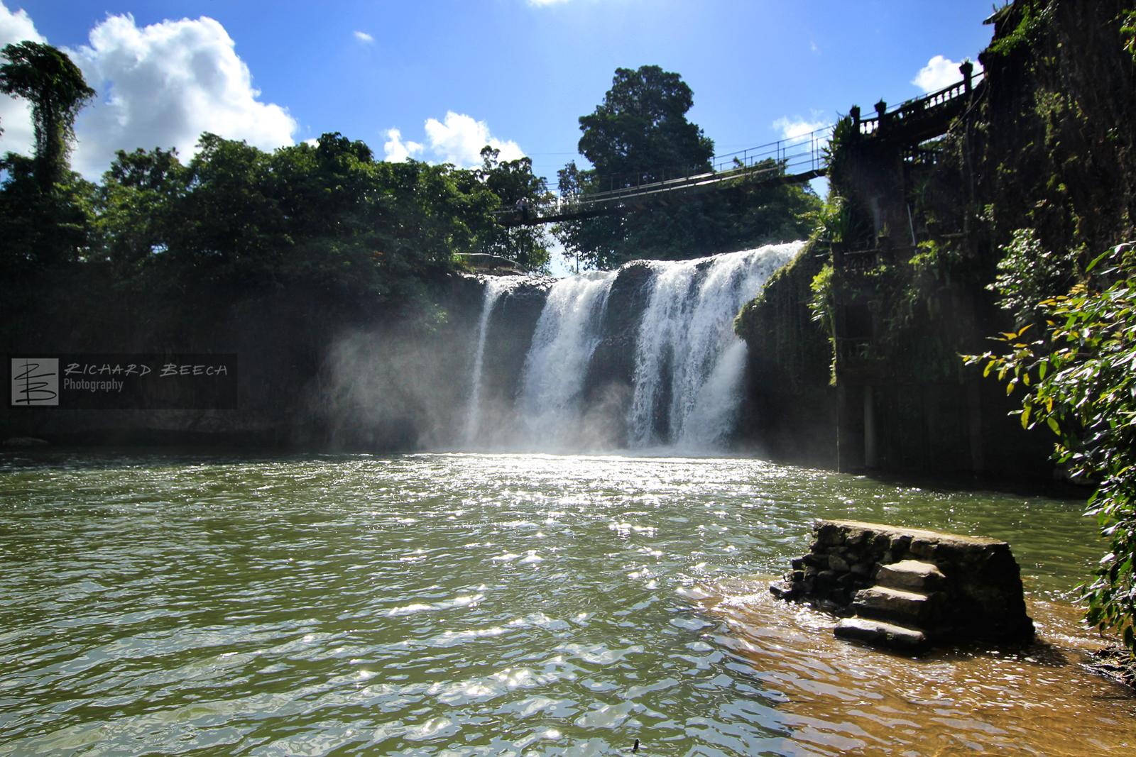 paronellaparkwaterfall1600.jpg