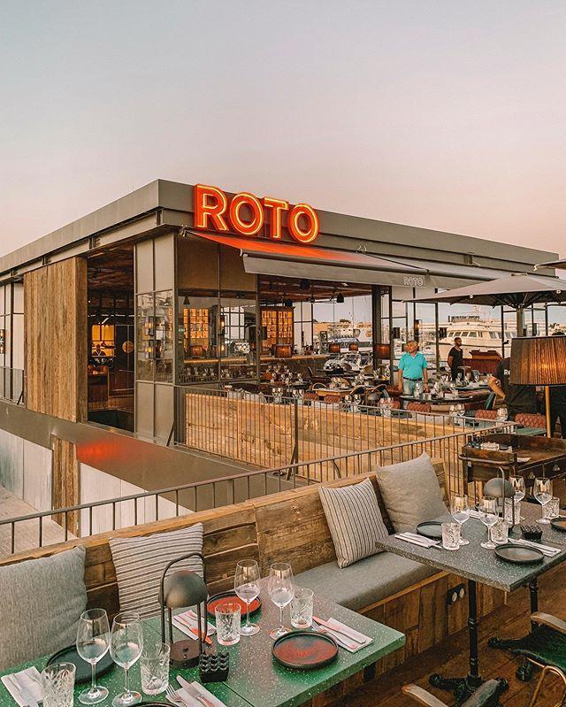 Os presentamos una de las últimas instalaciones que hemos realizado en Ibiza. Se trata de @roto , un local en el puerto de Marina Ibiza en el que podéis disfrutar de la mejor vista de la isla, además de escuchar buena música y poder ir a tomar algo o incluso a cenar.  #roto #elecson #rotoclub #ibiza #ibiza2019 #ibiza19 #sound