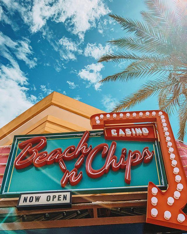 Se acaba el verano en Ibiza, pero antes de irnos queremos presentaros una de nuestras últimas instalaciones en la isla, se trata del Casino Beach'N'Chips, un casino con cafetería situado en el corazón de Playa d'En bossa. Hemos instalado un sistema de sonido dividido por zonas que podemos controlar directamente desde una aplicación móvil. Os deseamos lo mejor!  #elecson #beachnchips #ibiza #eivissa #ibiza2019 #ibiza19 #sound #soundsystem #summer