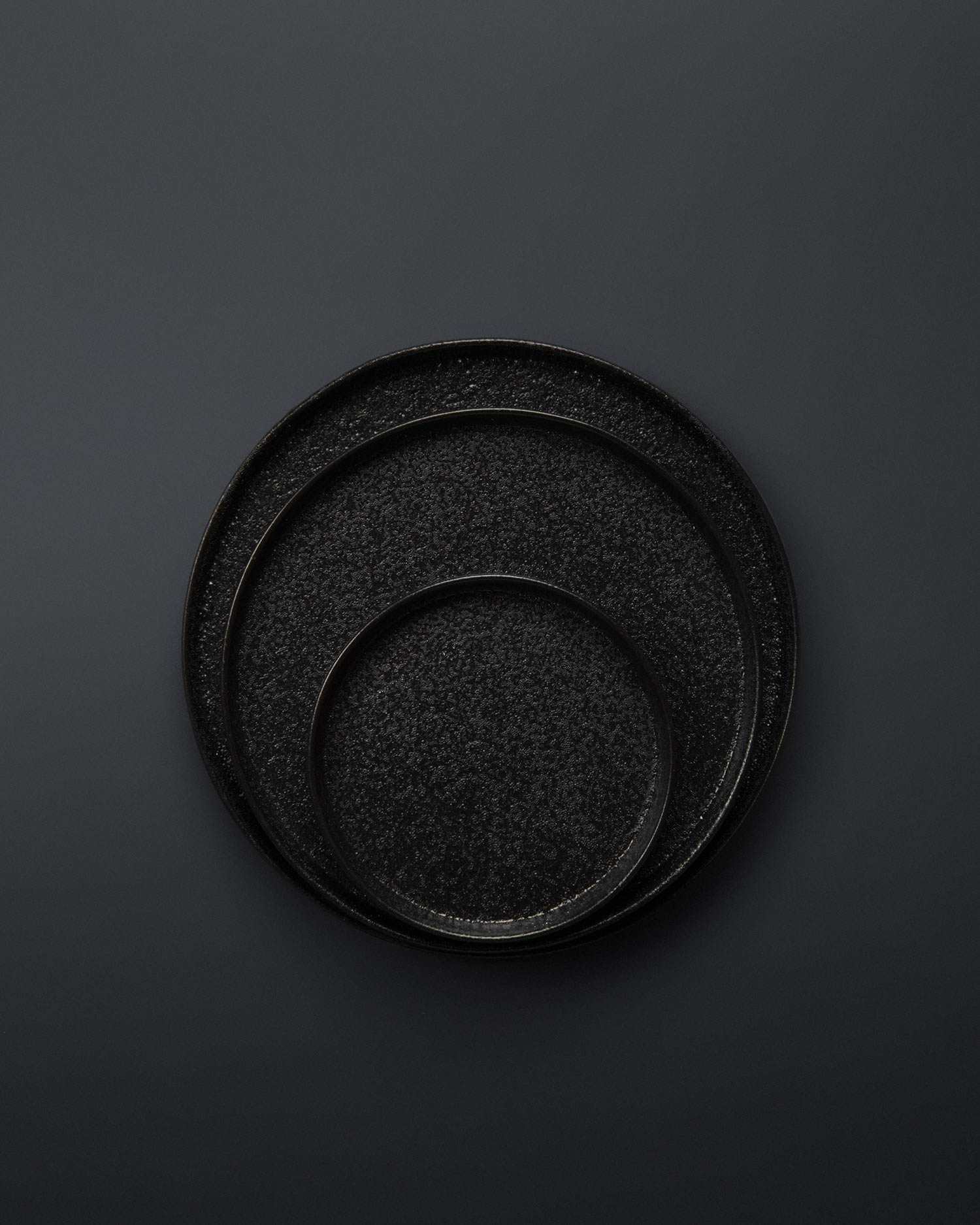 svart-yuzu-plates-2.jpg