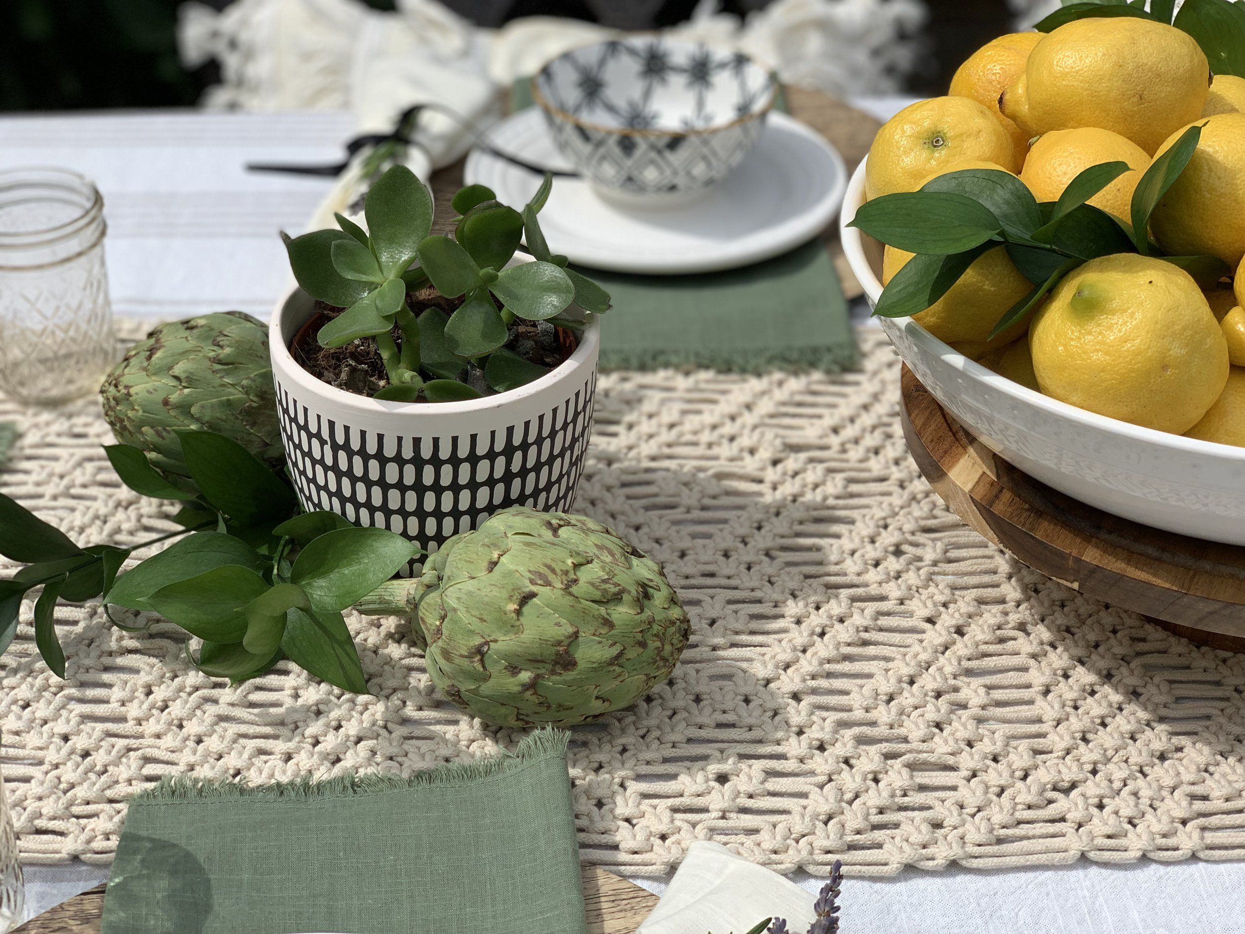 Mediterranean Tablescape design by beam&bloom with artichokes, lemons and greens
