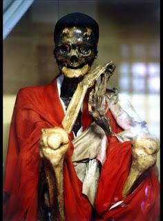 momia de japon.jpg
