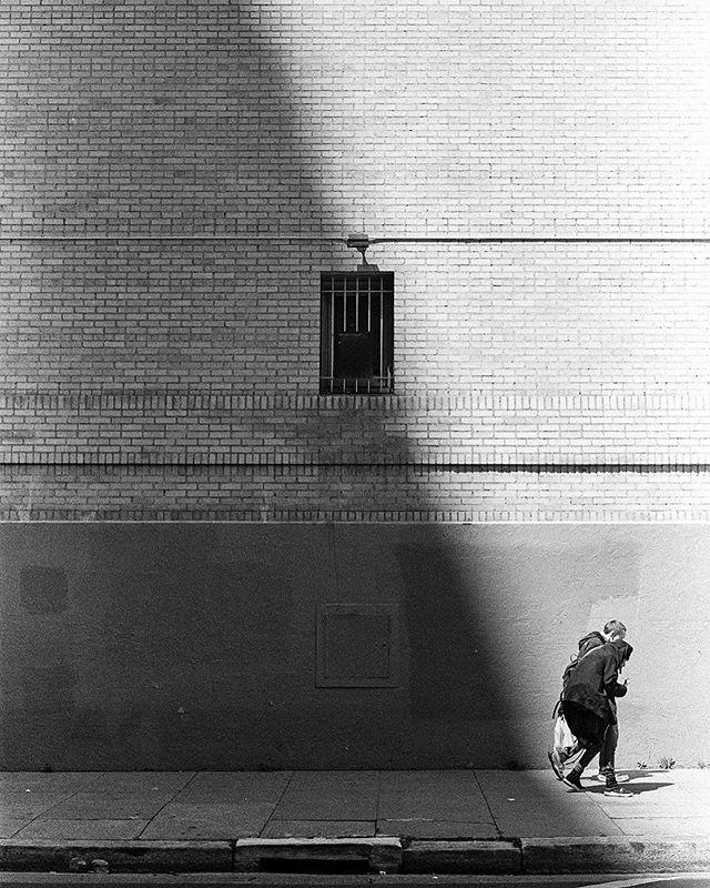 Helping hand. . . . . . . #minolta #minoltax700 #x700 #analogphotography #analog #ilforddelta400 #ilford #blackandwhite #streetphotography #spicollective #capturestreets #streetphotographercommunity #lensculturestreets #thestreetphotographyhub
