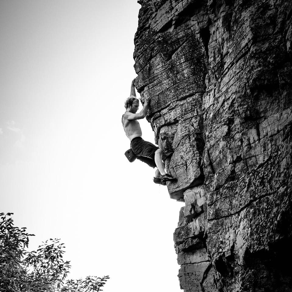 """Clearing the head and gaining clarity during an onsight solo ascent of """"Sweet Home Boltabama (5.11a)"""" Sandrock AL"""