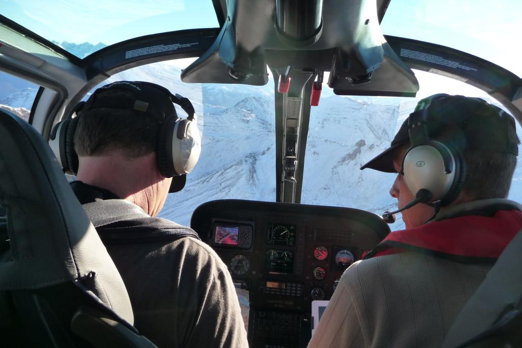 MOUNTAIN FLYING - CPL Pilots often fly around mountainous areas.