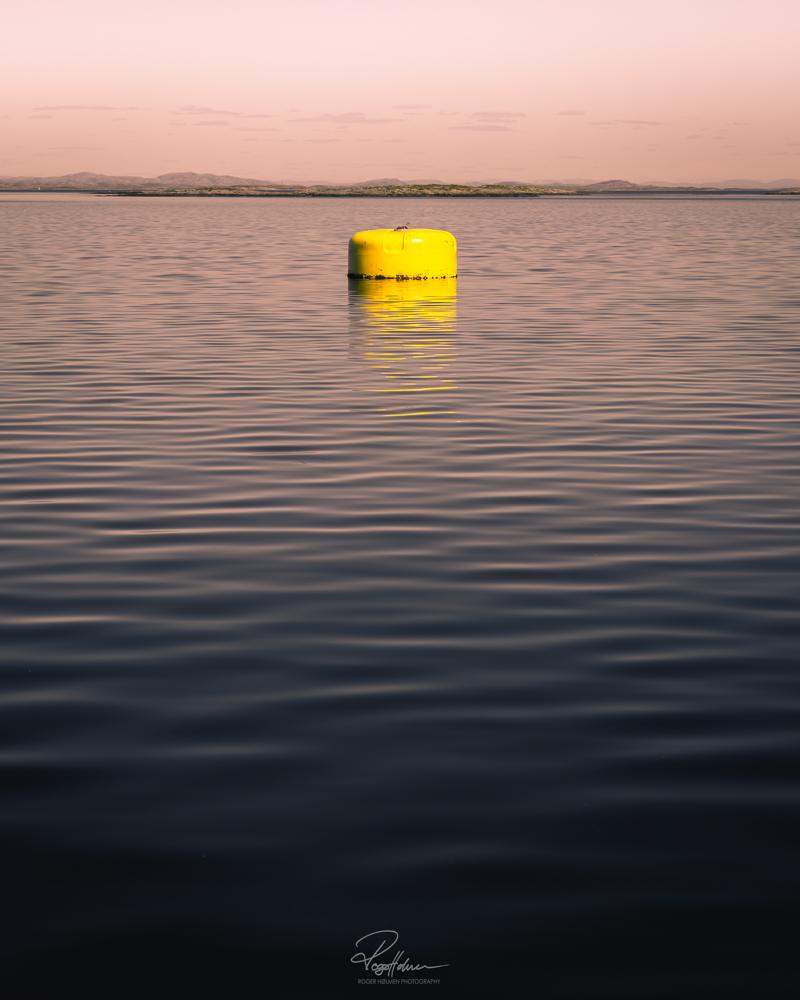 Yellowfloatynysignatur.jpg