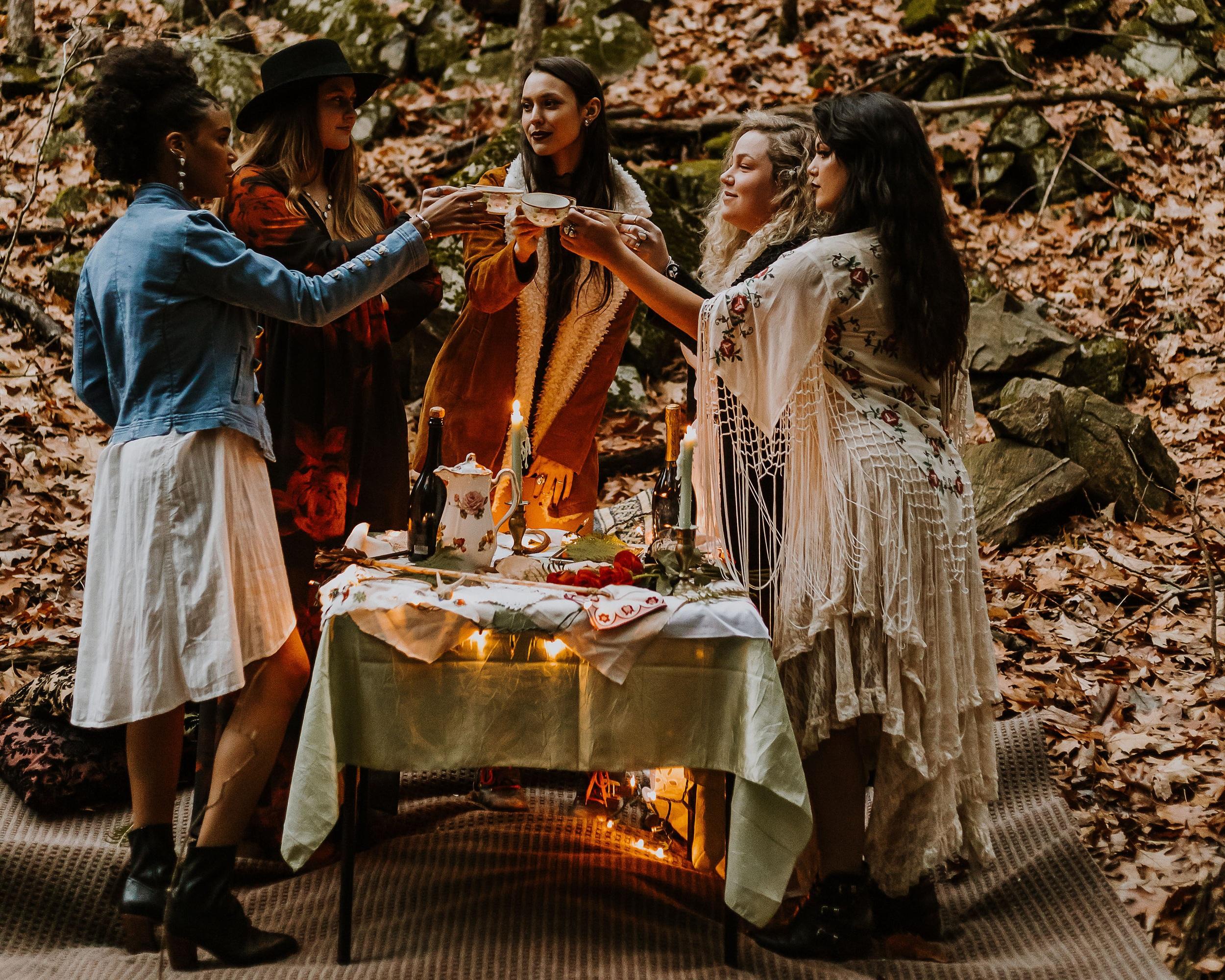 Group+Table+Cheers+CROP.jpg