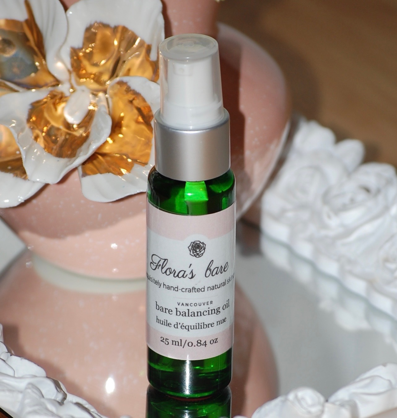 Bare Balancing Serum-this incredible oil is beneficial in balancing an unbalanced skin. - Not just for oily, acne skin but also very beneficial to eczema, rosacea and irritated skin. Packed with powerful oils that leaves your skin feeling soothed and irritation free.Helichrysum essential oil, our star ingredient - obtained from the bright and fiery helichrysum flowers; helichrysum is a precious oil that is quite expensive but rigorous in its healing action. Excellent for sunburned, mature skin and skin conditions like eczema, psoriasis and acne because of its cell renewal properties. Helichrysum oil has powerful wound healing effects. Antioxidant, anti-fungal , antibacterial and anti-inflammatory. A fantastic addition to our balancing oil blend.Jojoba oil - is very similar to our own natural oils on our skin, helping it to blend and be easily absorbed into the skin.Evening Primrose Oil - is packed with omega 6 fatty acid which is critical for healthy skin. Helping tame inflammation and balancing the oils of the skin, reducing itching and swelling.Squalene oil - naturally extracted from olive oil, enhances the skin's ability to naturally regenerate as it hydrates and oxygenates. As a natural antibacterial agent, it is effectively used to treat eczema, psoriasis and other unbalanced skin conditions. Light and easily absorbed it helps to soothe and softens the most delicate skinsGeranium essential oil - this oil has placed in the top for essential oils to help with battling acne, eczema and dermatitis as it helps to soothe and reduce redness and irritation on the skin. Geranium is known for its regenerative properties helping to elevate tension and help with hormonal moods.Ylang Ylang essential oil - this essential oil comes from the flowering petals of the Ylang Ylang Tree: a sweet, erotic smelling oil that helps to lift moods and lighten spirits while slowing down sebaceous secretions.