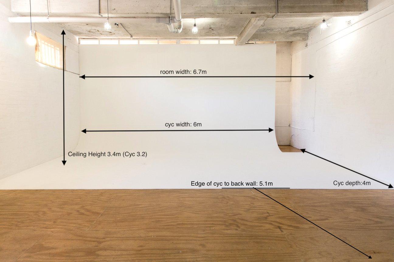 photography studio measurements space dimensions.jpg