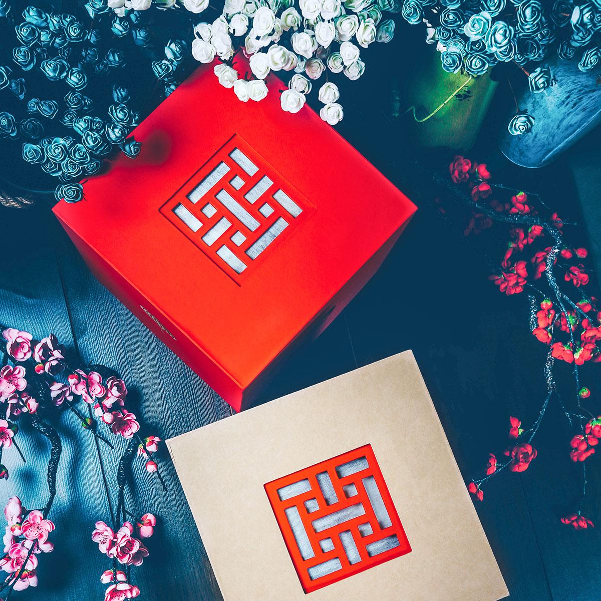 Thiết kế tối giản, hoàn thiện cao cấp - Thiết kế hộp quà tết L'angfarm mang đậm chất nông sản hoà quyện trong màu sắc tết truyền thống. Bề mặt hộp được hoàn thiện bằng giấy kraft và giấy mỹ thuật cao cấp. Màu sắc hộp đa dạng, phù hợp với sở thích và nhu cầu khác nhau của khách hàng